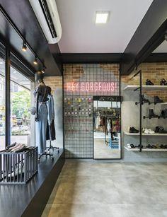 Store Layout, Boutique Interior Design, Beauty Salon Interior, Home Room Design, Retail Design, Store Design, Showroom, Interior Decorating, Decoration