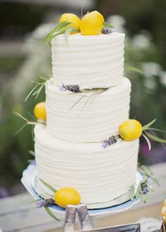 lemon & lavender wedding cake