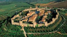 Aerial view of Monteriggioni (source: turismo.intoscana.it)