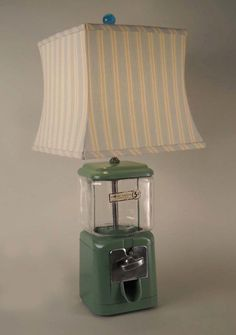 I could make a lamp with the red bubble gum machine for our movie room. Recycled Furniture, Diy Furniture, Old Lamps, Gumball Machine, Pipe Lamp, Light Project, Unique Lighting, Lamp Shades, Lamp Light