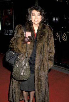 Fur Fashion, Fashion Beauty, Winter Fashion, Sable Coat, Fashion Guide, Furs, Asian Woman, Fur Coat, Glamour