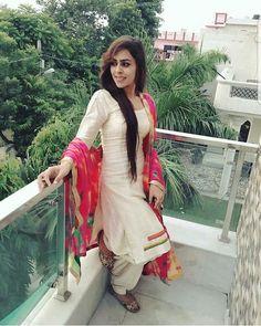 Patiala Dress, Punjabi Dress, Punjabi Suits, Salwar Kameez, Indian Salwar Suit, Indian Suits, Indian Wear, Simple Dresses, Nice Dresses