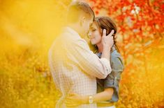 LOVE the colors. Fall engagement pictures are always the best.