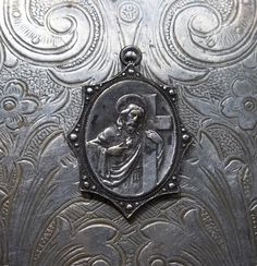 RARE & Stunning Art Deco Catholic Silver Medal, The Mournful Blessed Virgin Mary And Sacred Heart Of Jesus With Cross, Scalloped Edge