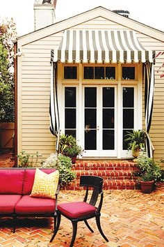 Chic Patio. Home Tour: Melissa Miles Rufty Definetely have to have brick pavers, love the way these have been set!