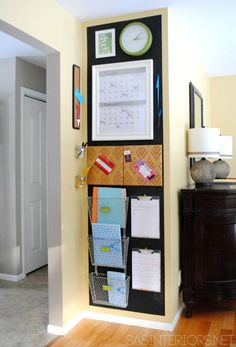 image Command Center Kitchen, Family Command Center, Command Centers, Organization Station, Kitchen Organization, Organization Hacks, Organizing Ideas, Family Organization Wall, Wand Organizer