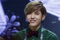 Cr: YoursTruly    His smile.... TT--TT    Exo-M Kris