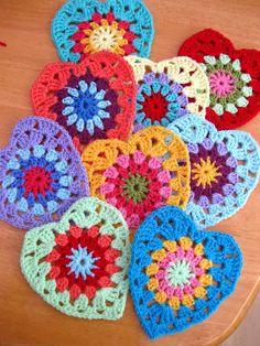 Sunburst Granny Hearts by Bunny Mummy  #Crochet #FreePattern: http://bunnymummy-jacquie.blogspot.nl/2012/06/sunburst-granny-hearts.html  #TheCrochetLounge #Valentines #VDay #Heart