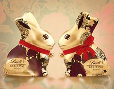 Pattern design for a limited edition of Lindt Gold Bunny GOLDHASE Edition Lindt Gold Bunny, Pattern Design, Christmas Ornaments, Holiday Decor, Xmas Ornaments, Christmas Jewelry, Christmas Baubles