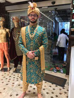 Sherwani For Men Wedding, Sherwani Groom, Mens Sherwani, Wedding Dress Men, Mens Indian Wear, Indian Men Fashion, Mens Fashion Suits, Shadi Dresses, Indian Dresses