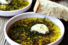Want to make a perfect and healthy olive oil dip? The July Newsletter is on its' way, with summer recipes that are ideal for highlighting… Thai Dipping Sauce, Dipping Sauces, Olives, Olive Oil Dip, Bread Dipping Oil, Healthy Snacks, Healthy Recipes, Italian Bread, Organic Herbs