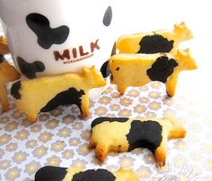 mooooooo………… do you have a moo-moo cookie cutter sitting at home? if so, have a go at this… it takes just 5 minutes to mix everything together… yes, that simple and you have cute lovely cookies for tea.. Recipe adapted and translated from I love Cookies by 安星美 Ingredients 170g cake flour 100g condense milk 1g salt 60g unsalted butter (softened) 3g vanilla extract 3-4g[...]