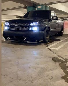"Kevin on Instagram: ""@ser_tobe_free with our R2 splitter 🤟"" Chevrolet Silverado, Silverado Truck, C10 Chevy Truck, Chevy Pickups, Chevrolet Trucks, Chevy Trucks Lowered, Bagged Trucks, Mini Trucks, Gm Trucks"
