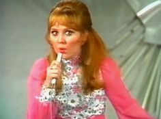 """Eurovision Song Contest 1969 : Lulu - """"Boom-Bang-A-Bang"""" - United Kingdom - 18 points - 1st place"""