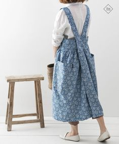 Blue Denim Cross Back Apron in Floral Printing Pinafore Apron Denim Long Apron Japanese Style Apron Florist Aprons Square Cross Apron Frock Fashion, Girl Fashion, Flowy Skirt, High Waisted Skirt, Pinafore Apron, Cute Casual Outfits, Aprons, Regency, Diy Clothes