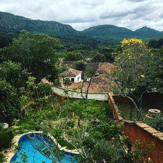 """Como disse o Gonzaguinha """"a vida pode ser maravilhosa"""" e é ! Da janela avisto a Serra de São José nuvens escuras visão deslumbrante parece que vai chover ."""