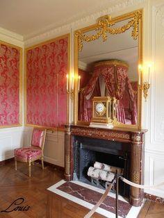 Petit Trianon : Entresol et Attique