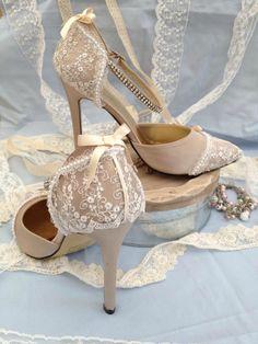 chaussures mariage rose poudré dentelle personnalisées