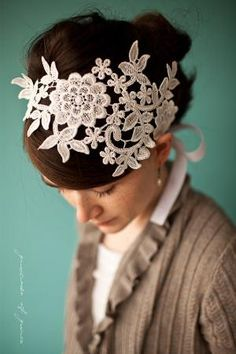 So, some old lace, cut and pinned or mounted on a band. Seems easy enough. And pretty! loves!