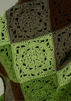 "Mount Vernon square, free pattern from Yarnspirations; about 6"" across. (NaturallyCaron yarns discontinued)   . . . .   ღTrish W ~ http://www.pinterest.com/trishw/  . . . .    #crochet"
