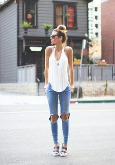 40 Pretty Teen Fashion Outfits   http://stylishwife.com/2014/11/pretty-teen-fashion-outfits.html #TeenFashion #teenageoutfits