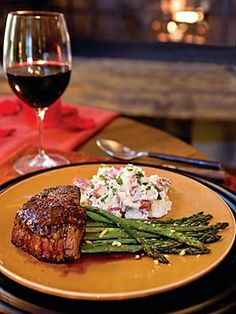Whether you keep your grill fired up all year long or prefer to stay warm and cozy in the kitchen and cook the meat under the broiler a steak dinner is one of the easiest to prepare (about 15 minutes of cooking time)..