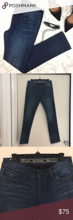 """Rock Revival Tara Stretch Dark Blue Skinny Jeans -Zip fly with button closure - 5 pocket construction - Light fading and whiskering - Skinny leg  - Approx. 7.5"""" rise, 32"""" inseam - In like new condtion. Length: 39.5"""" Rock Revival Jeans Skinny"""
