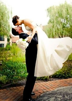 50 new must-have photos with your groom - Click image to find more Weddings Pinterest pins
