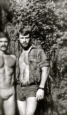 Past Beauty of Men Art Gay, Pin Up, Hommes Sexy, Hairy Chest, Monochrom, Gay Couple, Hairy Men, Bearded Men, Man Photo