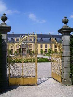 Neuer Glanz für das Goldene Tor in Herrenhausen