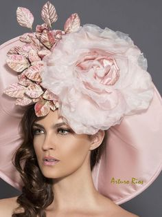 Items similar to Blackand White Polkadot Cocktail Hat, Fascinator, Derby hat, Melbourne cup hat, Couture headpiece on Etsy Blush Rosa, Rosa Rose, Blush Pink, Dusty Pink, Chapeaux Pour Kentucky Derby, Kentucky Derby Hats, Rose Mauve, Rose Vintage, Cocktail Hat