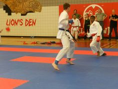 http://karatemanitoba.ca    Junior brown and black belt kumite competition is always pretty exciting in the 14-17 male division!