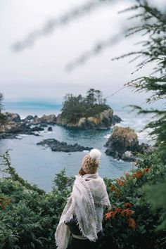 Whether you're a surfer or just looking to take in wilderness in the most beautiful way, I'm sharing my Tofino travel guide over on TVOB today! Travel Photography Tumblr, Photography Beach, Photography Ideas, Backpacking Canada, Canada Travel, Columbia Travel, Vancouver Travel, Vancouver Island, Viajes