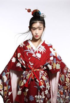 Kimono robeYou can find Chinese dresses and more on our website. Japanese Beauty, Japanese Fashion, Asian Fashion, Asian Beauty, Traditional Fashion, Traditional Dresses, Chinese Dress Traditional, Hanfu, Cheongsam