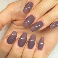 Coffin nails shape are like the ballerina shoes. Wanna try coffin nails this fall? Check out what kind of nailsart of coffin nails you like. Gorgeous Nails, Love Nails, How To Do Nails, Pretty Nails, Amazing Nails, Nails Polish, Matte Nails, Purple Nails, Nexgen Nails Colors
