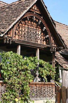 Parasztházak - Régi székely házak - Jobbágytelke - Székelyföld - Erdély fotó Székedi Ferenc Old Country Houses, Country Life, Budapest Travel, Timber House, In Vino Veritas, Natural Scenery, Traditional House, Tiny House, Exterior