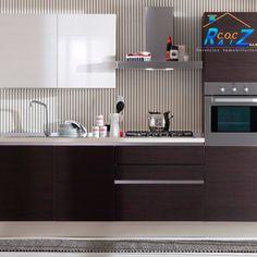 #COCHogar Si tu #cocina es #pequeña, puedes pintarla de #color café o cualquiera de sus tonalidades. Busca una #pintura en tonos café oscuros para los gabinetes y tonos más claros para los muros