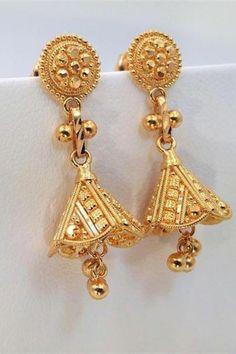 Gold Jhumka Earrings, Gold Earrings Designs, Gold Jewellery Design, Necklace Designs, Gold Jewelry, Jewelery, Chain Earrings, Designer Earrings, Indian Jewelry