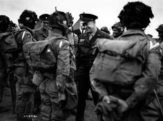 Eisenhower with Paratroopers - My uncle served in the 101st Airborne