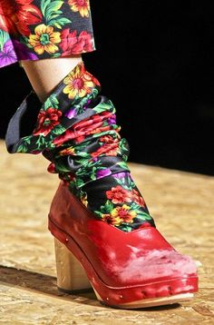 by Comme des Garçons. hmmmm ... This has possibilities, but I need to think about it. Maybe adapt a pattern for tabi???