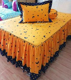 Bed Cover Design, Sofa Bed Design, Cushion Cover Designs, Diy Pillow Covers, Bed Covers, Bed Sheet Painting Design, Sofa Covers Online, Small Bedroom Ideas For Couples, Bed Sheet Sizes