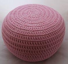 Pufa dziergana różowa ze sznurka bawełnianego