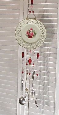 Upcycle plate and silverware to make windchime - #shabby #chic #upcycle #repurpose #china #silverware #crafts #DIY (inspiration only)