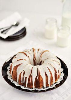 Vnilla Bean Bundt Cake w/ Vanilla Bean Glaze