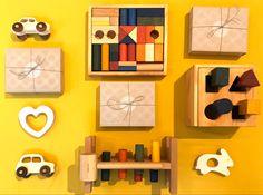 Sie sind so klein, dass sie in die Hände eines Babys passen, aber so groß, dass sie die Fantasie anregen.  So sicher - von der Natur!  Hergestellt aus Holz von FSC®-zertifizierten Lieferanten.  Fertiggestellt mit Bienenwachs und Pflanzenölen, perfekt glatt geschliffen, fühlt sich weich an. #baby #kidsroom #kinderzimmer #dekoration #spielzeug #holzspielzeug Babys, Shopping, Woodworking Toys, Plants, Dekoration, Smooth, Babies, Baby, Infants