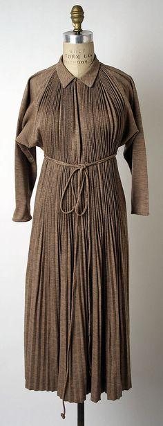 "Metropolitan Museum of Art - Claire McCardell, 1949; ""Monastic Dress"""