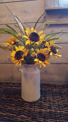 Sunflower Floral Arrangements, Sunflower Centerpieces, Fall Arrangements, Sunflower Vase, Artificial Floral Arrangements, Sunflower Wreaths, Church Flowers, Fall Flowers, Sunflower Home Decor