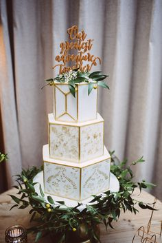 White & Gold Geometric Wedding Cake // Images By Ed Godden Photography Wedding Cake Images, Wedding Cake Designs, Wedding Cakes, Wedding Reception Tables, Wedding Ceremony, Wedding Bride, Our Wedding, Bridesmaid Outfit, Geometric Wedding