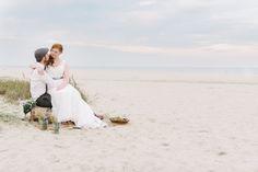 Beach Wedding by Sandra Huetzen Fotografie via Wedding Blog Humming Heartstrings. Read more - http://www.hummingheartstrings.de/index.php/hochzeiten/froehliche-hochzeit-am-nordseestrand-von-sandra-huetzen-fotografie/