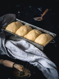 Vianočka aj brioška - maslové cesto z kvásku - Zo srdca do hrnca Griddles, Griddle Pan, Bread, Recipes, Cakes, Hampers, Brioche, Cake Makers, Grill Pan